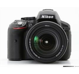 NIKON Kit D5300 + 18-55 VR + SD 8GB Lexar Premium 200 – black scontata del 24,69% da Euronics!